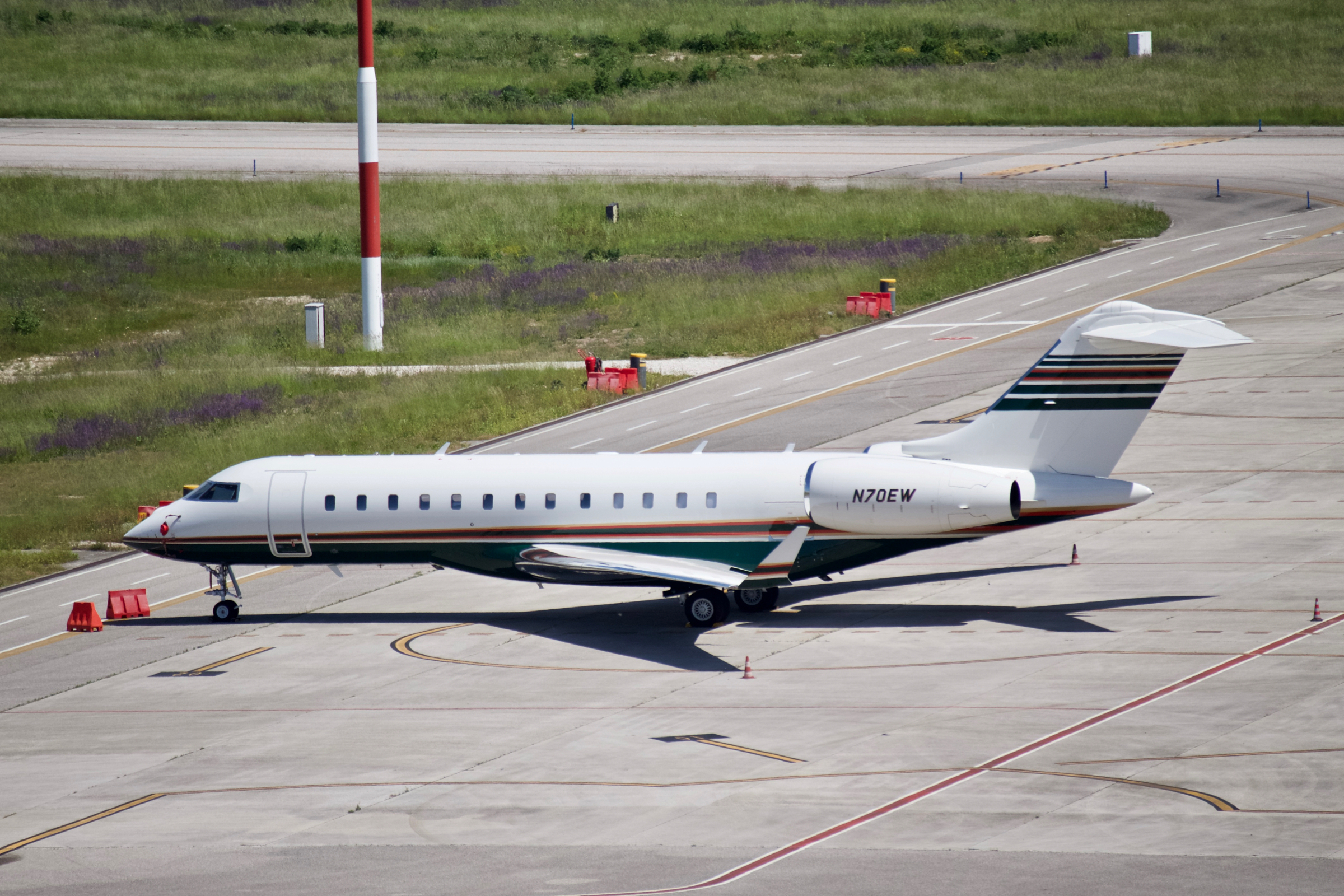 Bombardier BD-700 Global Express (N70EW)
